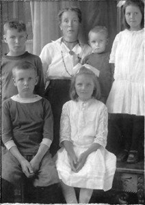 Alice Reid and children
